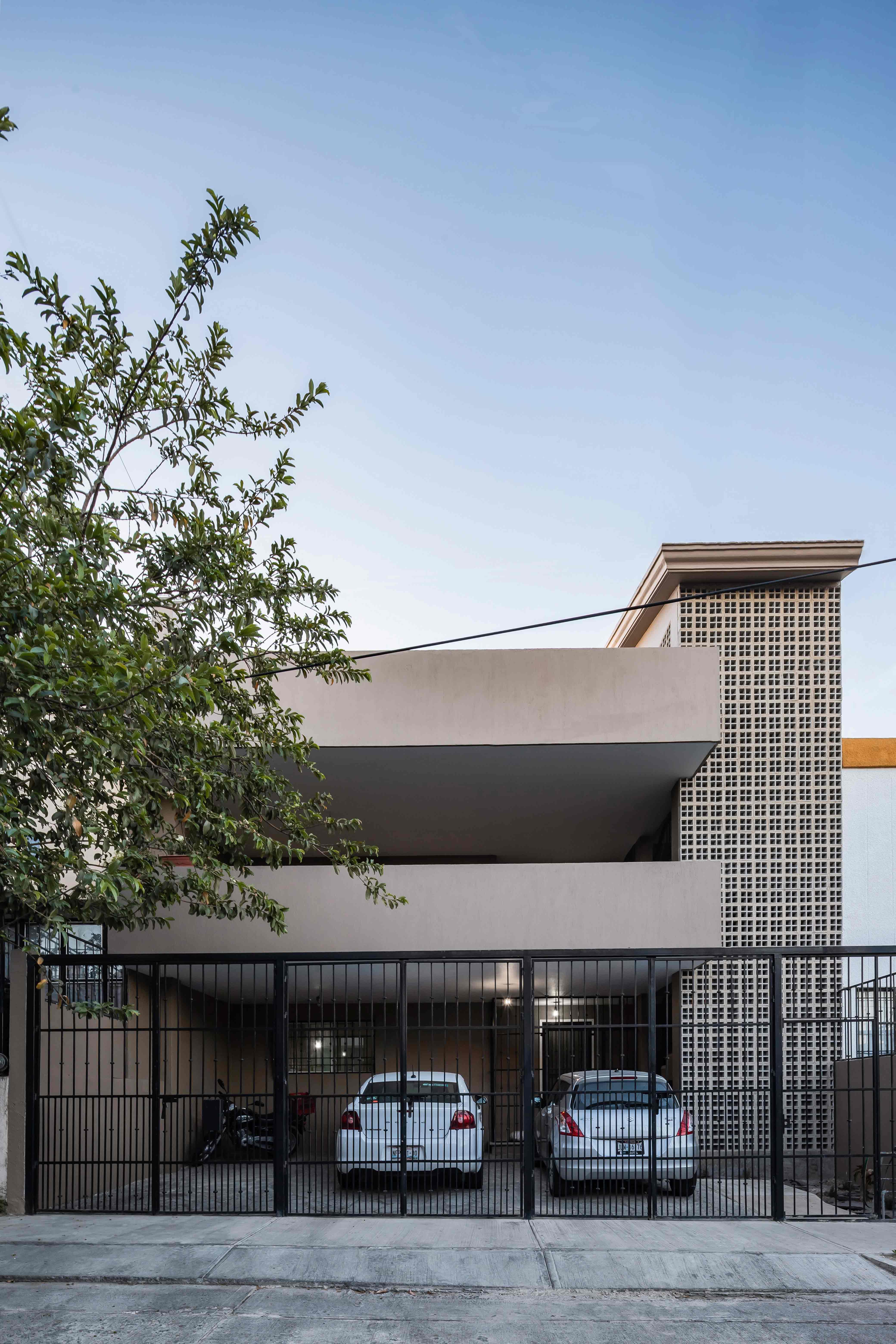 fotos-de-edificio-urales-fachadas-1